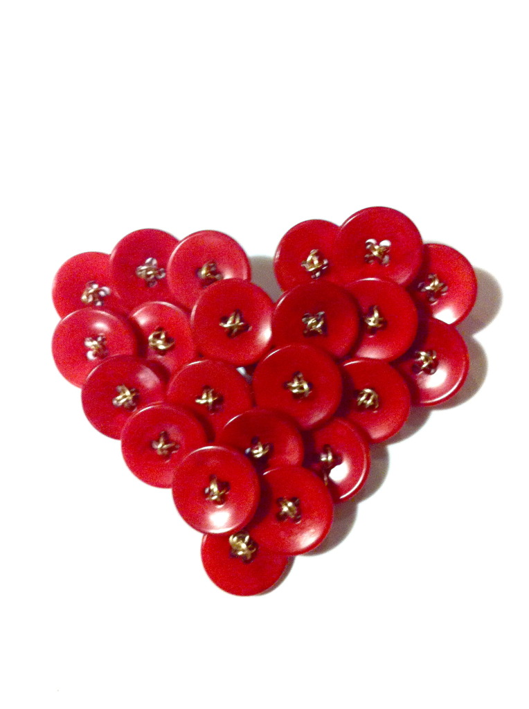 vintage_button_heart_pin